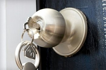 premier northwest knows time is very important when it comes to our clients and their residential locking needs locksmith l1 locksmith